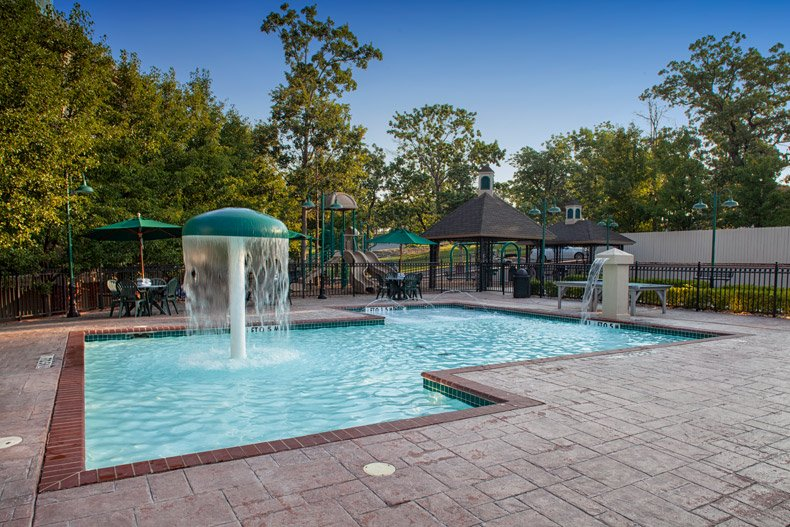 branson french quarter childrens pool and playground