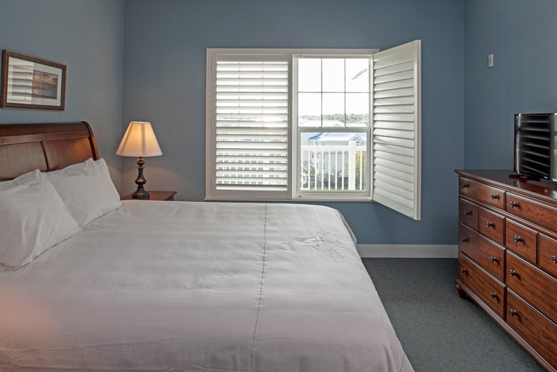 hilton head island spinnaker resorts bluewater resort 6400 building 2 bedroom master bedroom open window