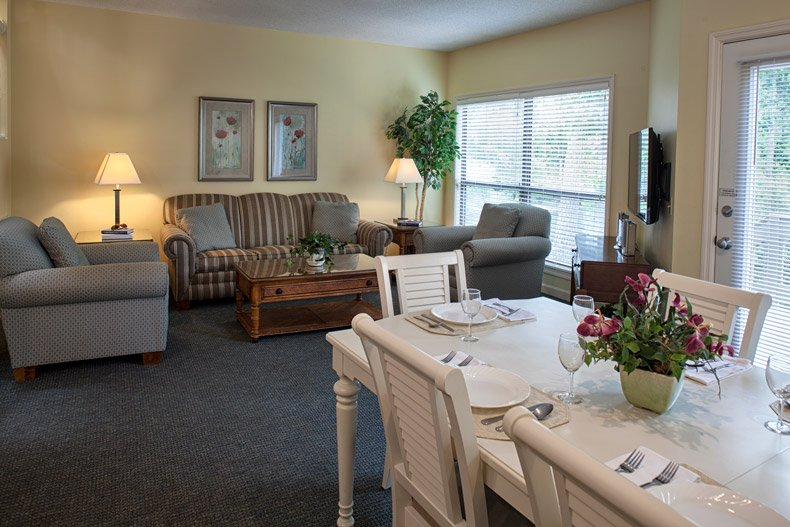 hilton head island southwind resort 3 bedroom dining room and living room