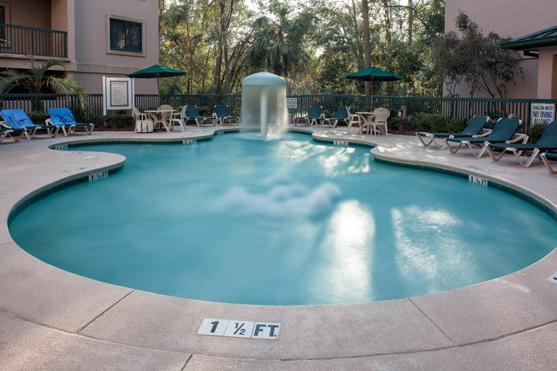 hilton head island resort waterside amenity childrens pool 2 towels 600X400 nov 2016