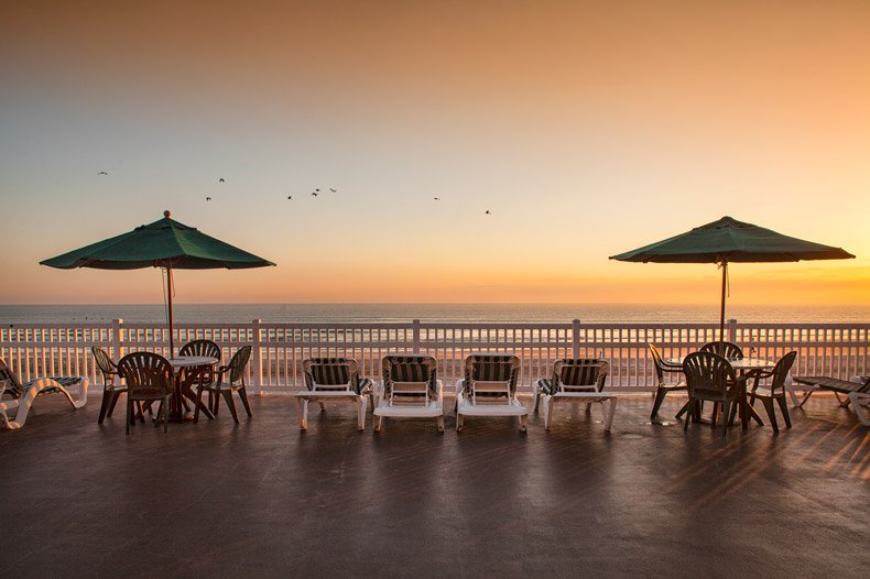 ormond beach royal floridian resort sunset pooldeck