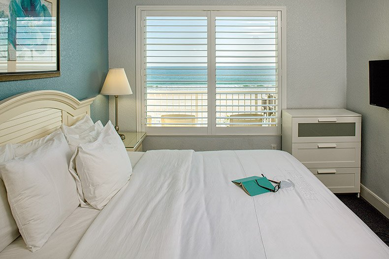 ormond beach royal floridian south resort 2bd master bedroom