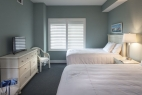 12hilton-head-island-bluewater-resort-6400-building-2-bedroom-2nd-bedroom-side-view