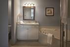 13hilton-head-island-bluewater-resort-6400-building-2-bedroom-master-bathroom
