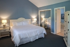 hilton-head-island-carolina-club-resort-2-bedroom-master-bedroom-and-bathroom
