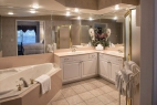 branson-french-quarter-2-bedroom-master-bathroom
