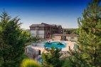 branson-palace-view-outdoor-pool-area (2)