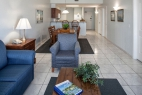 ormond-beach-royal-floridian-south-resort-2bd-living-dining-kitchen