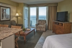 ormond-beach-royal-floridian-resort-studio-bedroom-kitchen-living-view