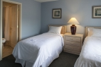 hilton-head-island-southwind-resort-3-bedroom-twin-bedroom-and-bathroom