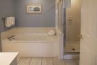 hilton-head-island_resort_waterside_5200-building_interior_3-bedroom_bathroom2_600X400_nov-2016