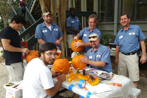 blog sz Pumpkins Maint Crew