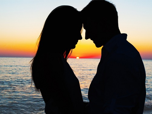 couple beach spinnaker resorts blog how to have the most romantic valentines vacation