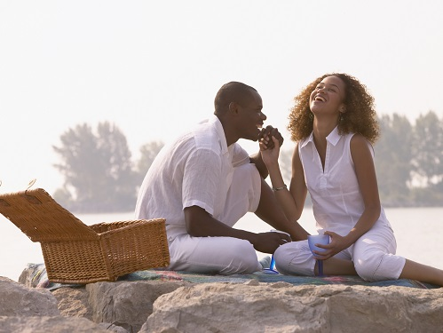 couple picnic resorts blog how to have the most romantic valentines vacation