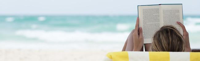 How to Choose the Perfect Beach Read for Your Island Vacation