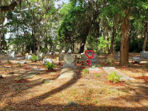hilton-head-spinnaker-resorts-amelia-white-historic-gullah-cemetery